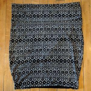 Skull patterned torrid midi skirt